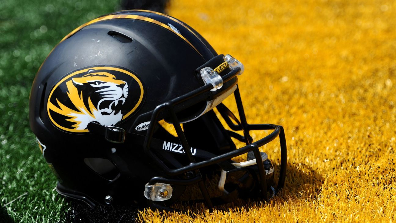 Missouri football players march, register to vote